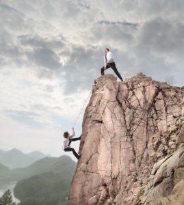 """""""Nel business come nella vita il rischio è un elemento essenziale. Chi non assume rischi non può avere successo"""". Affermazione del famoso imprenditore britannico Richard Branson nella pubblicazione - Il business senza segreti, 2008 ."""