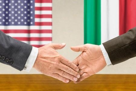 Come funziona il recupero crediti negli Stati Uniti di somme di denaro provenienti dalla vendita di beni o dall'inadempimento di un'obbligazione contrattuale?