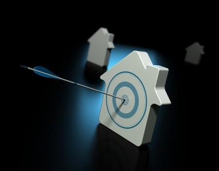 Le informazioni sugli immobili sono uno strumento utile sia per valutare l'affidabilità di un potenziale partner commerciale che per conoscere i beni di un debitore in ambito recupero crediti.