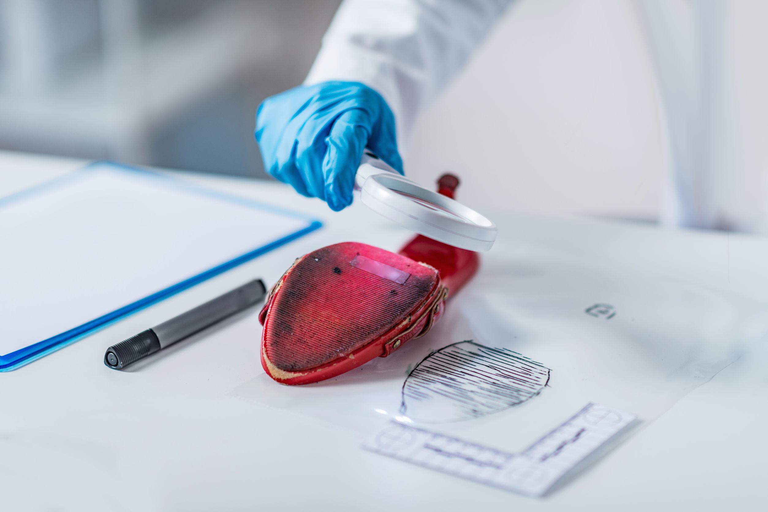 analisi forense impronte - investigazioni penali